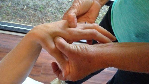 Integrated-ear-hand-foot-massage